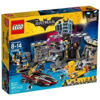 Классический конструктор LEGO The Batman Проникновение в пещеру Бетмена (70909)